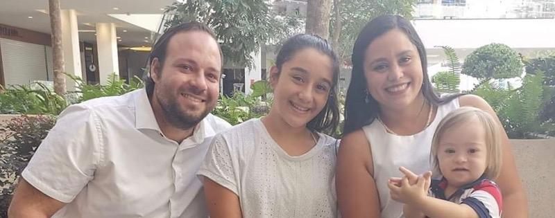 Manuel con su familia