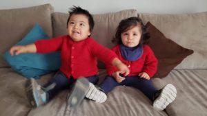 Nicolás con su hermana Julieta