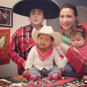Nicolás con su familia