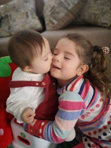 Amanda con su hermana Amparo @amordown_21recetas