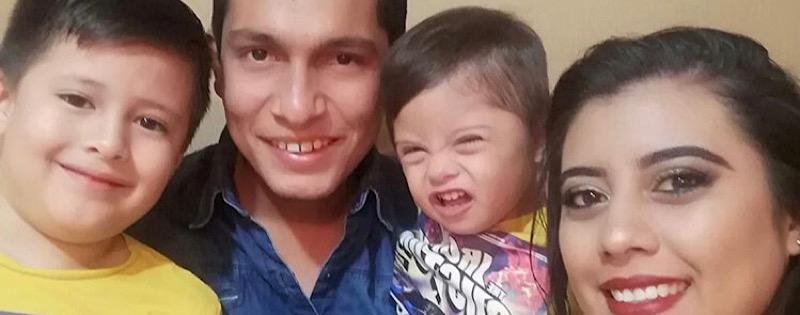 Diego con su familia