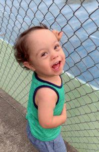 Sebastián sonriendo