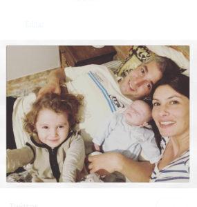 Bautista con su familia