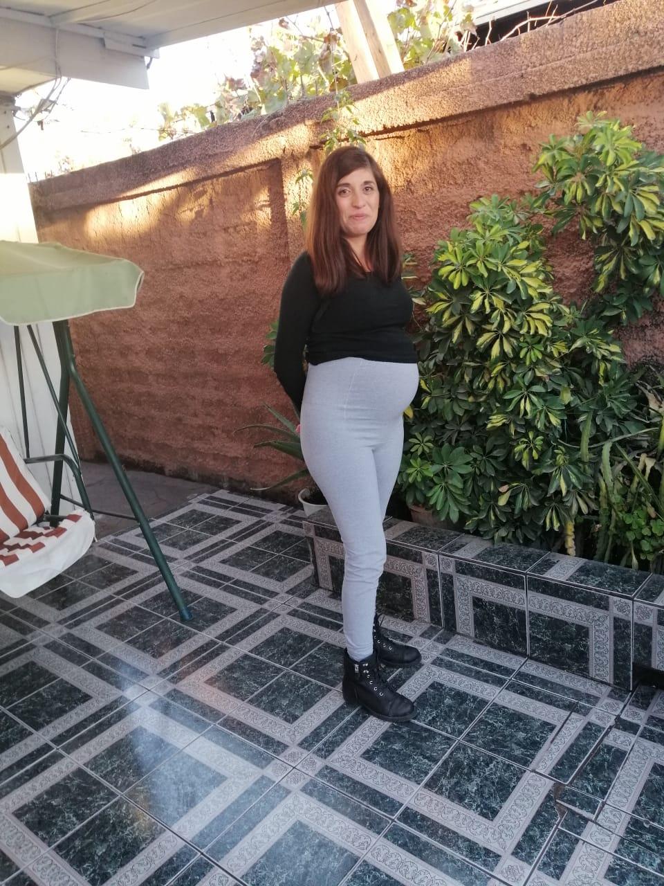 mujer embarazada con diagnóstico prenatal